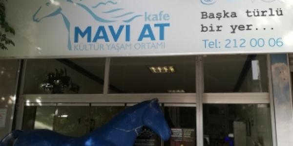 Mavi at Kafe: un Passo avanti