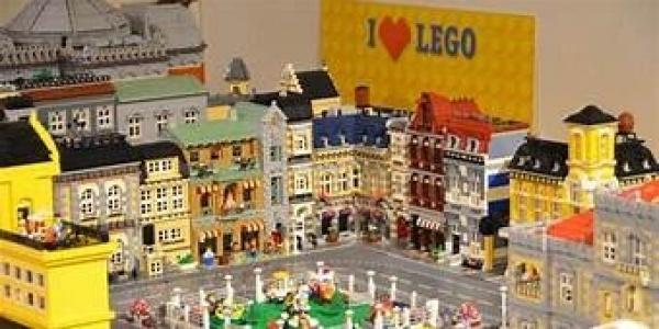 Al Salone degli Incanti la mostra I love Lego